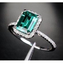 ultimate emerald ring! I need a good birthstone ring!