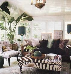 animal print ottomans | Eye For Design: Decorating With Animal Prints and Hides (Faux Of ...