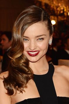 Miranda Kerr hair and makeup look from the red carpet at the Met Ball. What do you think about her look?
