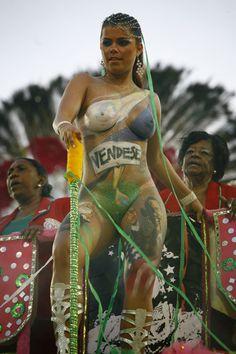 Viviane Castro, Bodypaints Obama On Her Leg on the Rio Carneval 2009