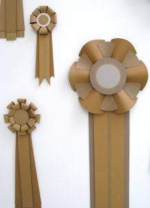 giant prize ribbon