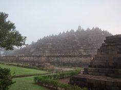The Intercontinental Gardener: Borobudur; Java.  I want to go here!