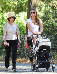 Queens & Princesses - Madeleine and Silvia took advantage of good weather to go for a walk in Central Park with Leonore. Sept. 27, 2014