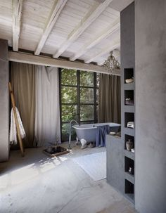 The Inside Story: A Lakeside Home in Italy