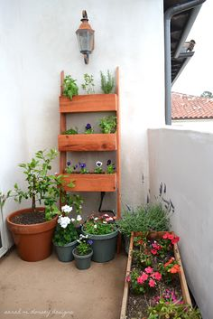 make the ladder container thing with 3 dresser drawers and 2 side posts