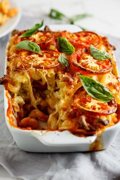 Italian Food ~ #food #Italian #italianfood #ricette #recipes ~ Caprese mac and cheese