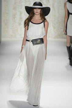 Rachel Zoe, follow live tweets of NYC fashion week @snapette