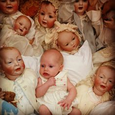 AHHHHHH!!!! Runs screaming in fear.. The stuff nightmares are made of creepi doll, worryb, total creep, dement doll, dead dolli, baby dolls, doll doll, baby photos, doll creep