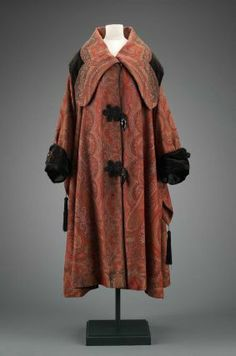 Woman's coat from America. 1910 to 1920. Museum of Fine Arts, Boston