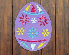 Easy Easter Egg Door Decoration- too cute!