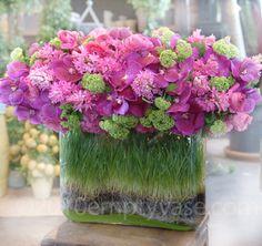 grass as vase filler...wonderful
