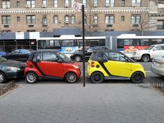 An essential part of urban mobility is finding a parking space. Which is easier for some than for others. #smartvilleSweeptstakes #smart #Car #Parking #UrbanMobility #smartcar