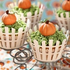 pumpkin patch cupcakes- Use idea to decorate pumpkin cupcakes with green 'grass' tip and use candy corn pumpkin to top instead of marzipan or fondant
