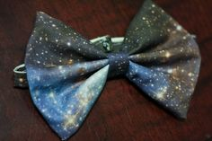 Galaxy Printed BOW TIE via Etsy.  I want this. I will wear it all the time. Like jewelry. It needs me.