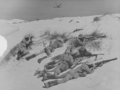 8th army tommies in the sand
