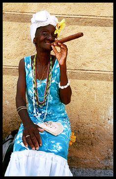 Una mujer de la ciudad de mi mamá en Havana, Cuba.
