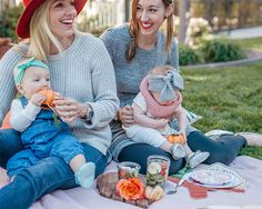 The cutest outdoor Friendsgiving picnic for little ones!