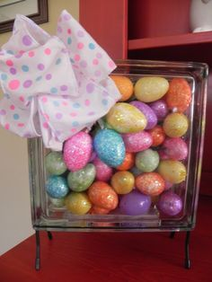 The Messy Roost: Glass Block for Easter - 2013  How cute!  She has little lights in there too!  Good idea!
