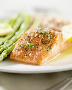 Dad might be manning the grill this weekend, but check out these heart-healthy dishes for Father's Day! #healthy #fathersday