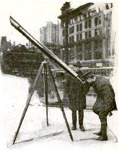 Boatful of Stargazers: Sidewalk astronomy, New York, 1920s