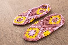 How to Seam #Crochet Slippers @crochetme