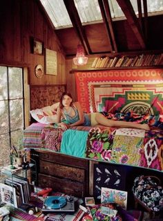 cabin, urban outfitters, beds, quilt, boho, bright colors, bohemian, bedroom, dream rooms