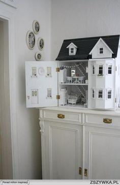 White dolls house
