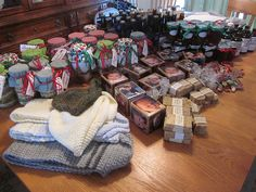 Homemade gifts - holidays, birthdays - this is a good idea bank. I am all about the homemade gifts.