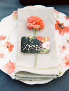 Poppy and pink floral wedding inspiration | Photo by Whitney Neal