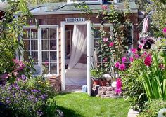 This backyard retreat could be used for a guest room or afternoon hideaway. Either way, it's pretty ah-mazing.