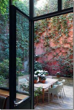 A patio in a charming Parisian loft house. Read more on Brillante Interiors blog...