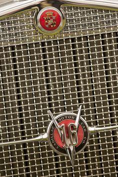 1930 Cadillac 452 Fleetwood Grille Emblem