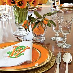 Beautiful, unexpected color combo.  Check out the monogram on the napkin!
