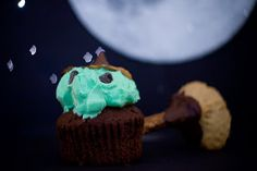 Halloween Cupcake Idea - from Cupcake Project