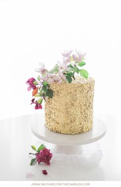 sequins cakes, metal sequin, sequin cake, rae cake, gold cake tutorial, the cake blog, gold sequin