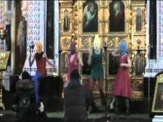 Pussy Riot gig at Christ the Savior Cathedral . Grandi!