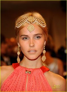 1920s & Indian inspired headpiece alexander mcqueen, ball, headband, headpiec, crown, hair pieces, hairstyl, head jewelry, isabel lucas