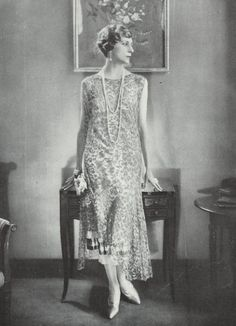 Remind you of Lady Edith ? ......... Edward Steichen - Vogue 1925 - Jean Patou. #Downton #Fashion #LadyEdith