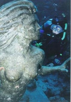 Simon Morris's Mermaid  9-foot / 3-meter tall   mermaid bronze castings are gracing dive sites off Powell   Island on B.C.'s Sunshine Coast and Grand Cayman #virtualtourist