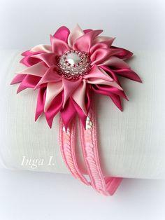 Satin Flower Kanzashi Flower Pink Elastic Headband от Invozho, €18.00