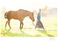 senior portrait, hors, photographi styliz, skai photographi, senior shoot, equestrian photoshoot, styliz inspir, posesmakeup inspir