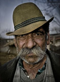 Portraits Sinti & Roma - Peter van Beek Photography. Bulibashi. The chief of a village, somewhere in Romania.