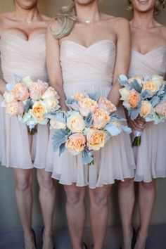 blush colored dresses and peach colored roses Photography by Karie Denny / kariedennyphoto.com, Floral Design by Nonnys Creations / nonnyscreations.com/
