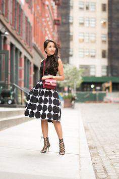 Wendy's Lookbook spotted looking summer chic wearing Banana Republic x Marimekko midi skirt.