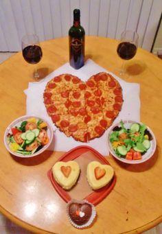 holiday, valentin dinner, family dinners, valentine day, dinner for boyfriend, date night dinners, dinner ideas, hubbi, heart pizza