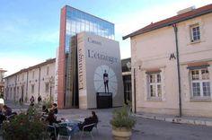 Bibliothèque d'Aix-en-Provence, France *