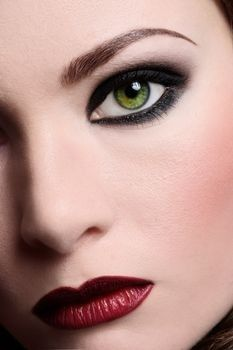 face makeup, makeup eyes, red lips, eye makeup tips, dark lips, makeup looks, green eyes, eyemakeup, makeup contouring