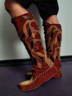 Tree Lace up Moccasins...looks like it need to learn how to sew suede moccasins...these are too amazing
