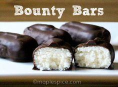 Homemade Bounty Bars - vegan, made with cooked potato! #6ingredients #powdered_sugar #vanilla #coconut #chocolate #coconut_oil #melis #vanilje #kokos #sjokolade #candy #snop