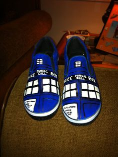 Tardis shoes. I wish I could draw like this!!